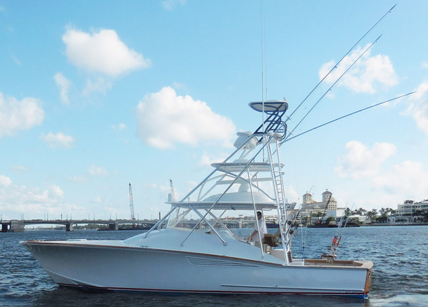 Used F And S Express Cruiser Boat For Sale