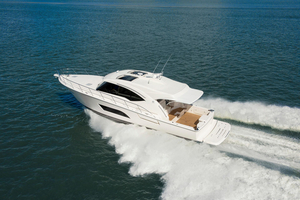 New Riviera 575 SUV Motor Yacht For Sale