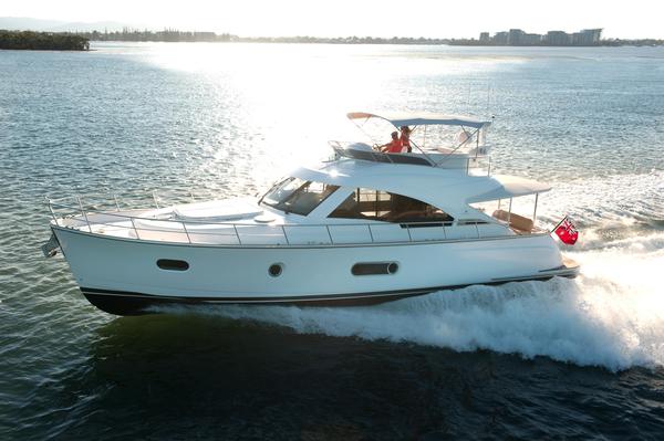 New Belize 54 Daybridge Motor Yacht For Sale