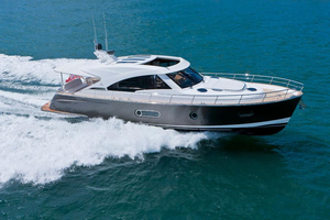 New Belize 54 Sedan Express Cruiser Boat For Sale