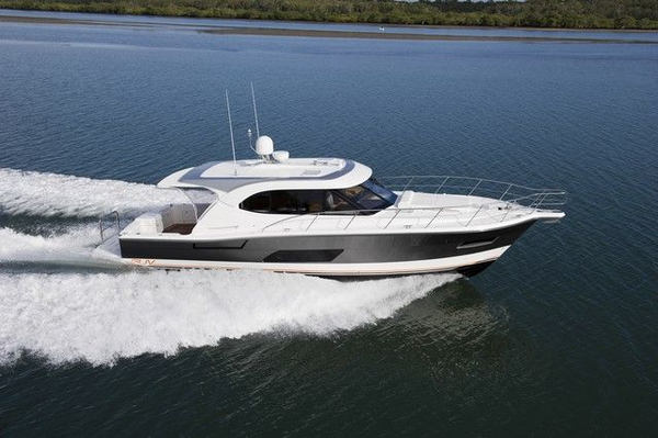 New Riviera 445 SUV Motor Yacht For Sale