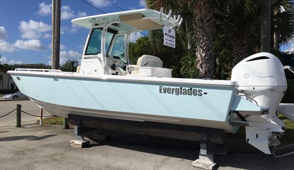 New Everglades 273 CC Center Console Boat For Sale
