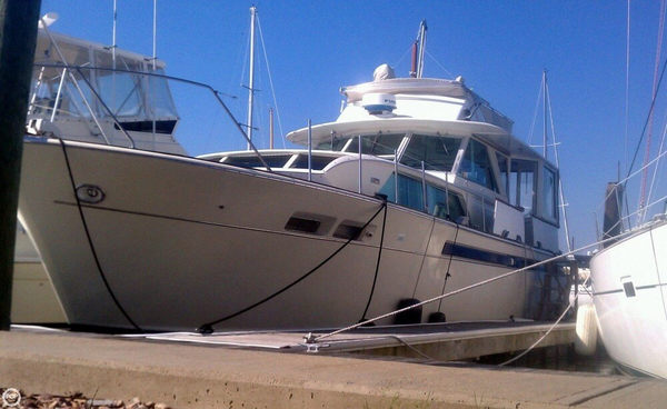 Used Chris-Craft 47 Commander Cruiser Boat For Sale