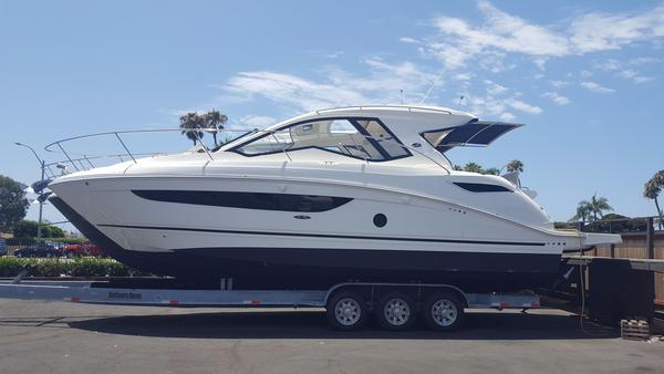New Sea Ray Sundancer 350 Coupe Cruiser Boat For Sale