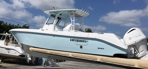 New Everglades 325 CC Center Console Boat For Sale