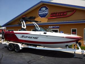 New Supreme Boats S238 Ski and Wakeboard Boat For Sale