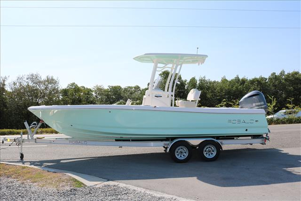 New Robalo R246 Center Console Fishing Boat For Sale