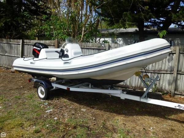 Used Zodiac YL500 Club Cruiser Boat For Sale