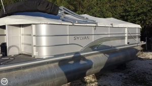 Used Sylvan 8522 Pontoon Boat For Sale