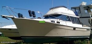 Used Bayliner 3270 Express Cruiser Boat For Sale