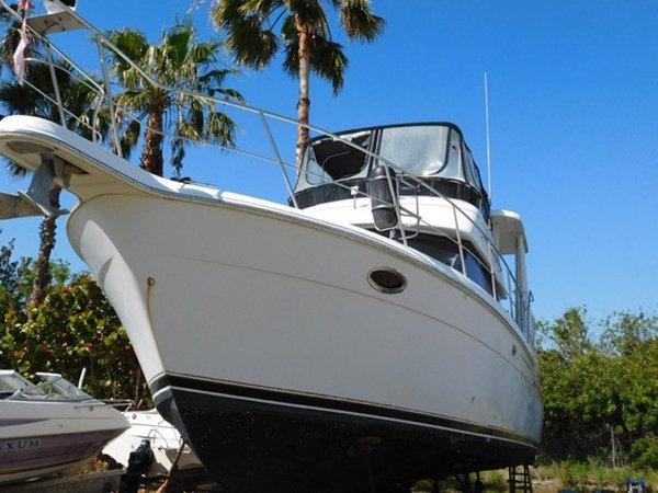 Used Carver AftCabin M/Y Aft Cabin Boat For Sale
