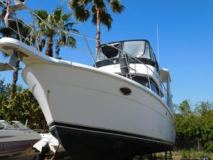 Used Carver AftCabin M/Y Aft Cabin Boat For Sale