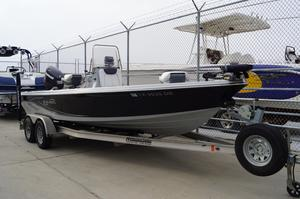 Used Blue Wave 2200 Pure Bay Boat For Sale
