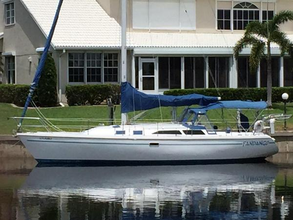 Used Catalina MKII Racer and Cruiser Sailboat For Sale