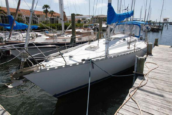 Used Beneteau First 42 Center Cockpit Sailboat For Sale