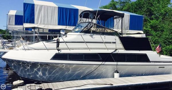 Used Carver 3297 Mariner Cruiser Boat For Sale