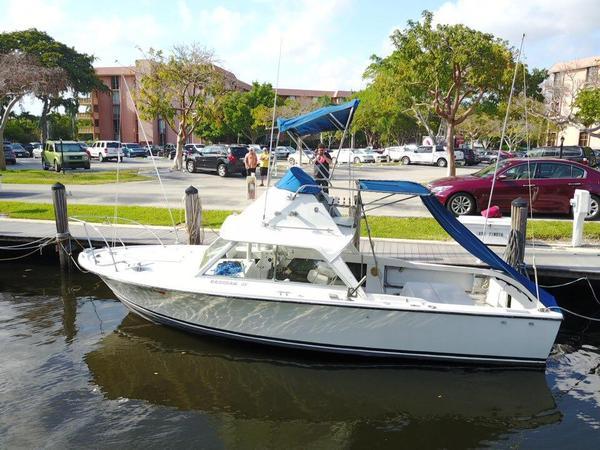 Used Bertram 25 Flybridge Sports Fishing Boat For Sale