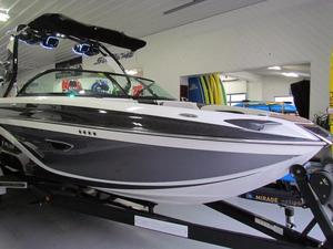 New Centurion Ri237 Ski and Wakeboard Boat For Sale