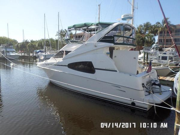 Used Silverton 330 Sport Bridge Sports Cruiser Boat For Sale