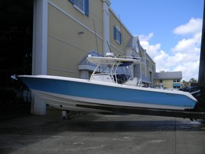 Used Edgewater Center Console 318CC Center Console Fishing Boat For Sale