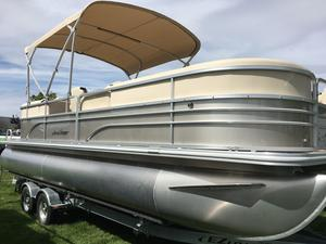 New Sunchaser 8522 Lounger RE Pontoon Boat For Sale