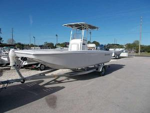 New Outcast Skiffs BlackShear 220 SVKBlackShear 220 SVK Bay Boat For Sale