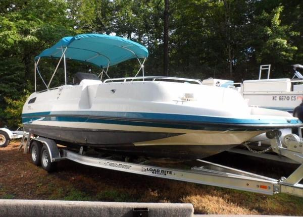 Used Chaparral 250 Sunesta Bowrider Boat For Sale