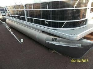 Used Sweetwater SW 2086 FC Pontoon Boat For Sale