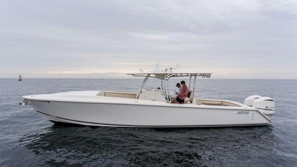 Used Jupiter 2011 Center Console Cuddy Center Console Fishing Boat For Sale