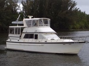 Used Jefferson 42 Sundeck Motor Yacht For Sale
