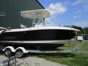 Used Robalo R220 Center Console Fishing Boat For Sale