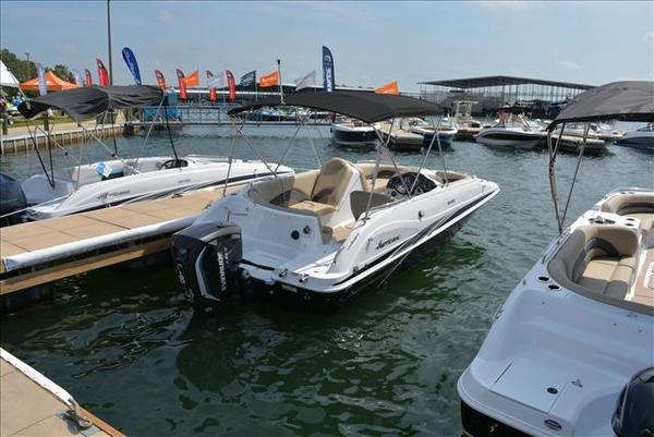 New Hurricane SS 202 OB Deck Boat For Sale