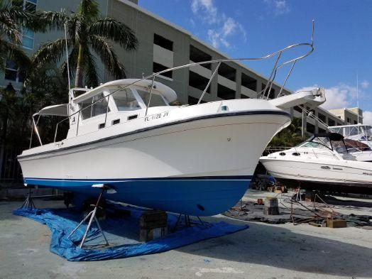 Used Albin 28 Tournament Express Motor Yacht For Sale