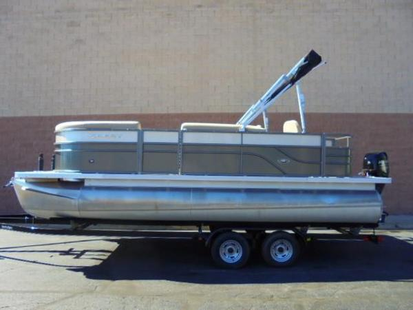 Used Crest II 210 Pontoon Boat For Sale