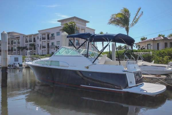 Used Chris-Craft 26 Constellation Sports Cruiser Boat For Sale