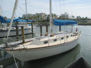 Used Cape Dory 33 Racer and Cruiser Sailboat For Sale