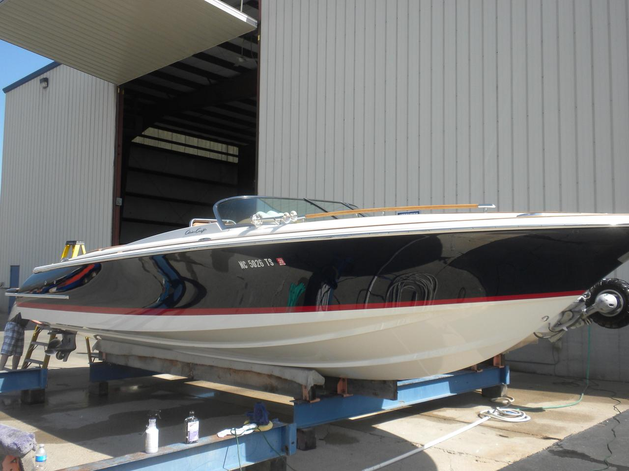2013 Used Chris Craft 28 Corsair Cuddy Cabin Boat For Sale