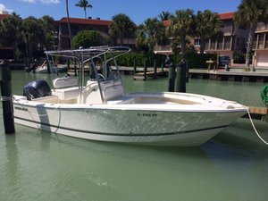 Used Regulator 23 Forward Seating Center Console Fishing Boat For Sale