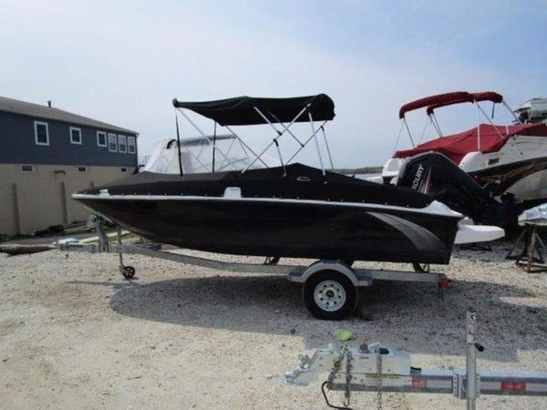 New Bayliner Element XL Deck Boat For Sale
