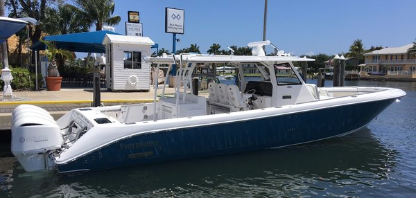 New Everglades 435 CC Center Console Boat For Sale