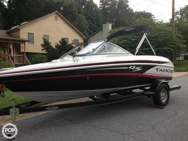 Used Tahoe Q5i Ski and Wakeboard Boat For Sale
