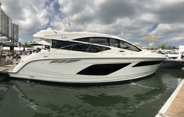 New Sea Ray L550 Motor Yacht For Sale