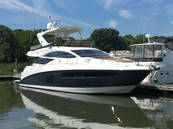 New Sea Ray L590 Fly Motor Yacht For Sale