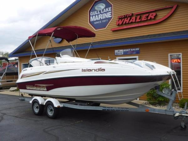 Used Sea-Doo ISLANDIA 22' JET Deck Boat For Sale