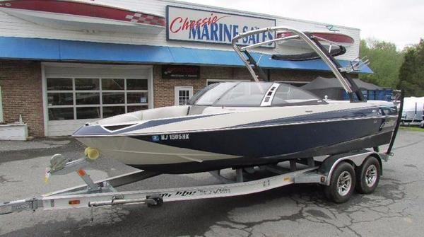 Used Malibu Boats VTX Ski and Wakeboard Boat For Sale