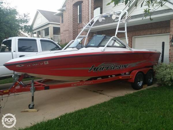 Used Centurion 22 Ski and Wakeboard Boat For Sale