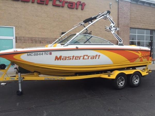 Used Mastercraft X SERIES X-25 Ski and Wakeboard Boat For Sale