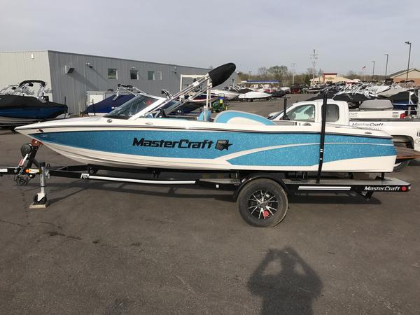 New Mastercraft ProStar Ski and Wakeboard Boat For Sale