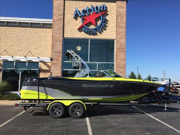 New Mastercraft XT Series XT23 Ski and Wakeboard Boat For Sale