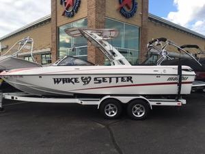 Used Malibu Boats Llc Wakesetter 23 LSV Ski and Wakeboard Boat For Sale